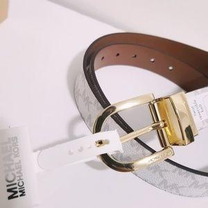 Michael Kors Accessories - NWT Michael Kors Reversible Belt